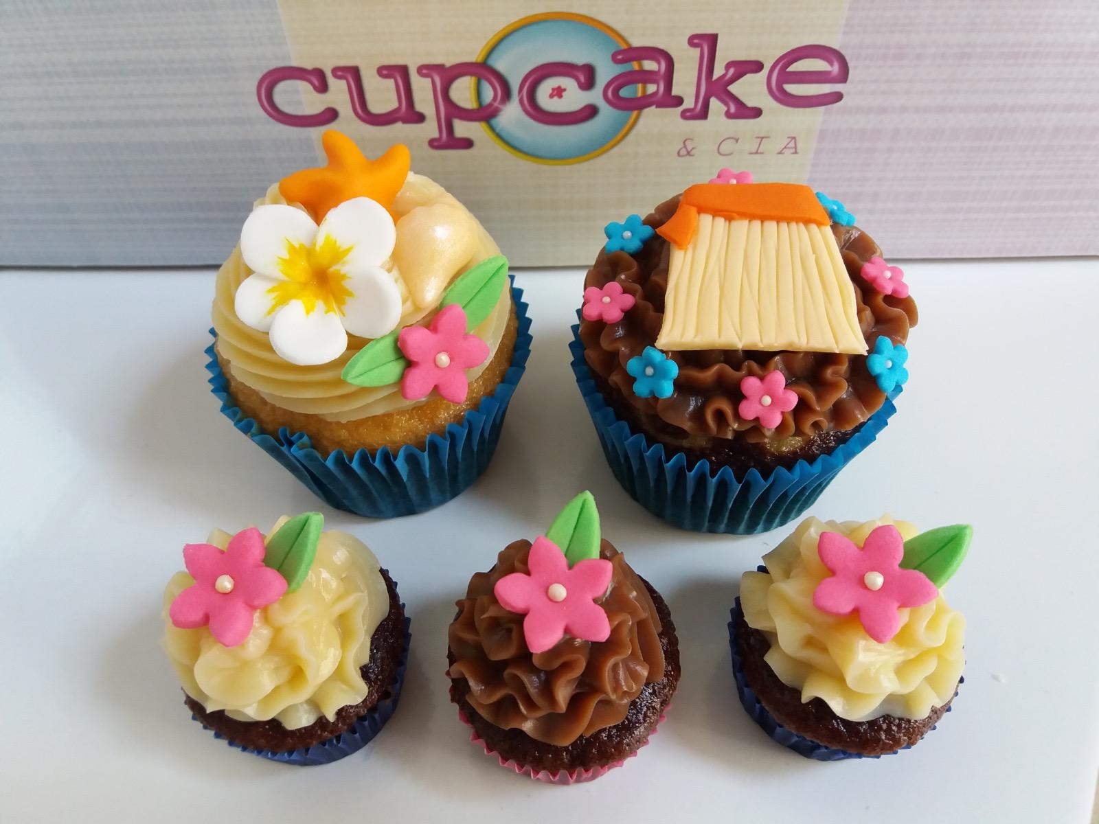 Resultado de imagem para cupcakes para festa da moana